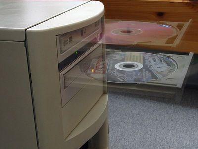 2005-06-29_05416 Windooze 2050 - jetzt mit transparenten CD-Trays
