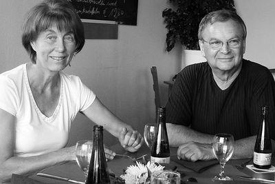 2005-07-28_05786 Marita und Hans-Jürgen laden zur Jahrestagfeier ein