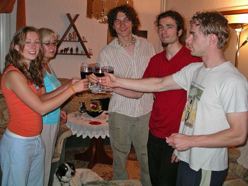 2005-08-20_04853 Cordula, alles Gute zum 18. Geburtstag - auf Dein Wohl! (Gastfoto von Papa)