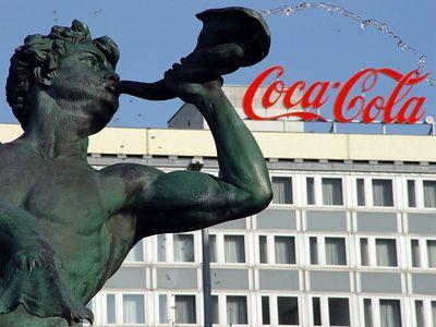 """2005-08-28_06118 """"Trink... !"""" (Werbung auf dem Augustusplatz)"""
