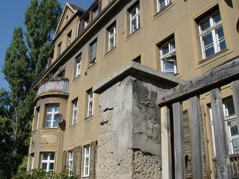 2005-09-22_06555 StudentenbudeStudent digs