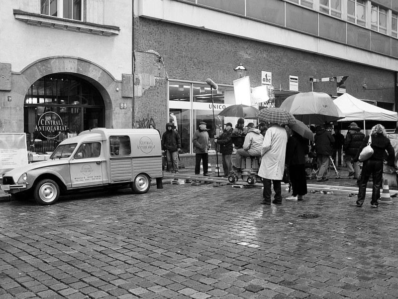 2005-11-10_07195 Tatort Dreharbeiten am Antiquariat gegenüber der Nikolaikirche in Leipzig Tatort (German thriller TV show) shooting at the second hand bookshop opposite to the Nikolaikirche (church) in Leipzig