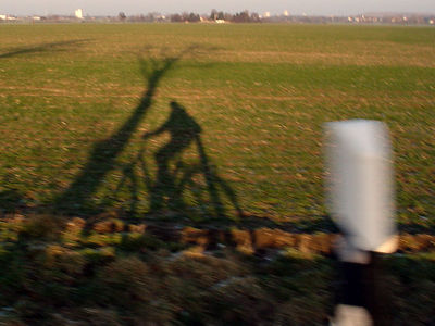 2006-01-15_08296 Schattenradfahrershadow bicyclist