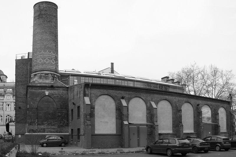 2006-01-17_08307 Altes Fabrikgebäude - wird jetzt als Probebühne vom Schauhaus Leipzig verwendet. Old factory building now used as a rehearsel stage by the Schauhaus Leipzig