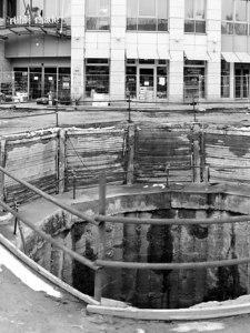 2006-03-18_09008 Das Loch. The hole.