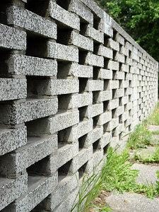 2006-05-27_09848 holey wall löchrige Mauer murp agujereado
