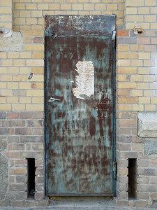 2006-05-05_09647 mystery door mysteriöse Tür