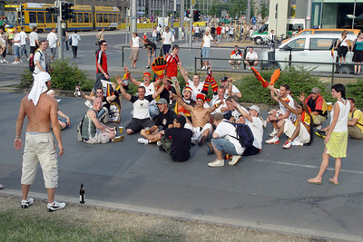2006-06-24_10231 Germany polished off Sweden with 2:0 - here's the situation in Leipzig after the end of the game. (more pictures) Deutschland servierte Schweden mit 2:0 ab - hier die Situation in Leipzig zum Spielende. (mehr Bilder) Alemania marginó a Suecia con 2:0 - esta la situación en Leipzig después del juego. (más fotos)