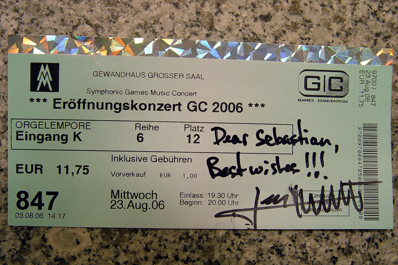 2006-08-23_11068 Autograph from the 'Dreamfall: The Longest Journey' composer Leon Willett at the opening concert of the Games Convention GC2006 Autogramm vom 'Dreamfall: The Longest Journey' Komponisten Leon Willett beim Eröffnungskonzert der Games Convention GC2006 in Leipzig Autógrafo del compositor de 'Dreamfall: The Longest Journey' Leon Willett al concierto de aperatura del Games Convention GC2006 en Leipzig