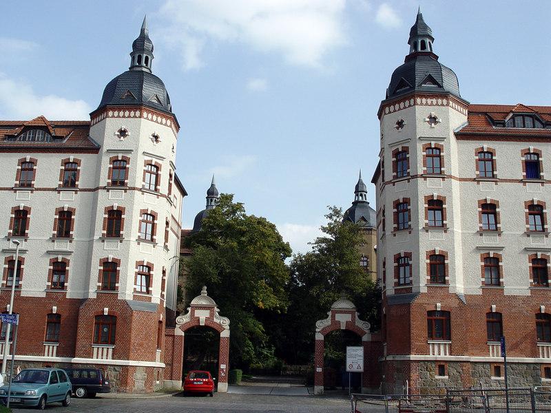 2006-09-06_11131 gatehouse Torhaus casa del portal