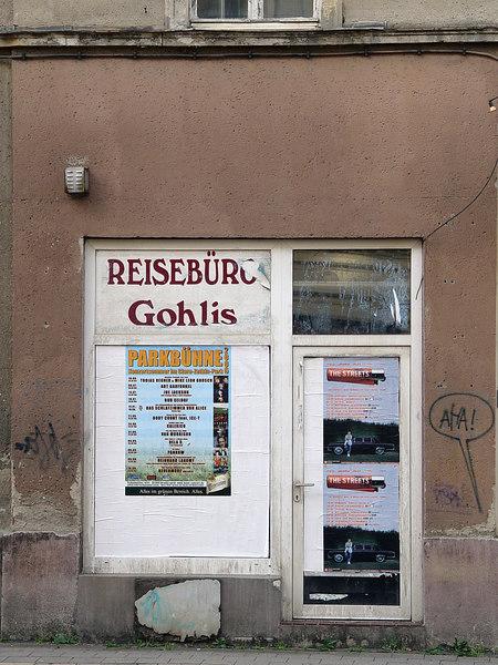 2006-07-14_10649 On Vacaction   (a travel bureau) Im Urlaub   (ein Reisebüro) Estamos de Vacaciones  (una agencia de viajes)