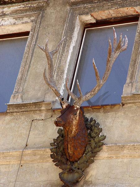2006-07-03_10475 Deer Antler Facade Hirschgeweihfassade Fachada con una Cornamenta de Ciervo