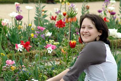 2009-04-26 Flower Girl