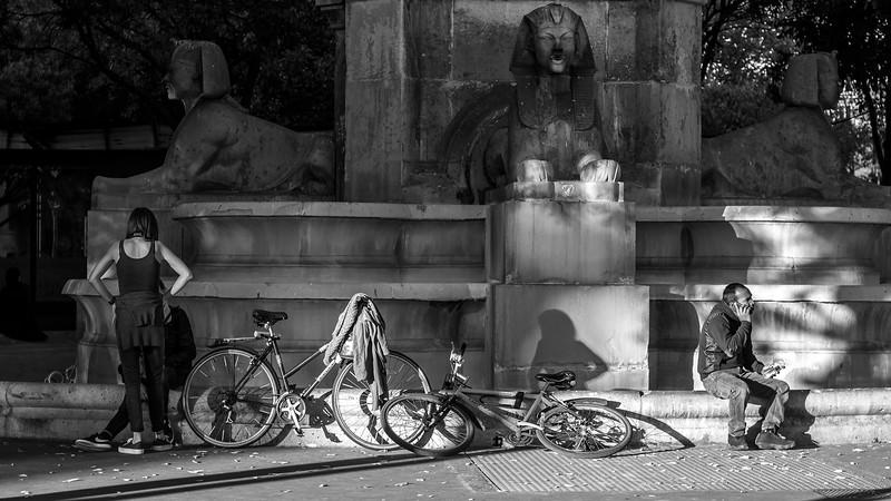 the moment after.......Fontaine du Châtelet  -  Paris  -Px