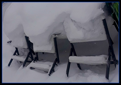 BURGERS ARE READY,,PULL UP A CHAIR,,,TOO COLD IN MOST OF CANADA AND U.S. TO EVER REMEMBER PIC A NICS,,YOGI.  1/30/19