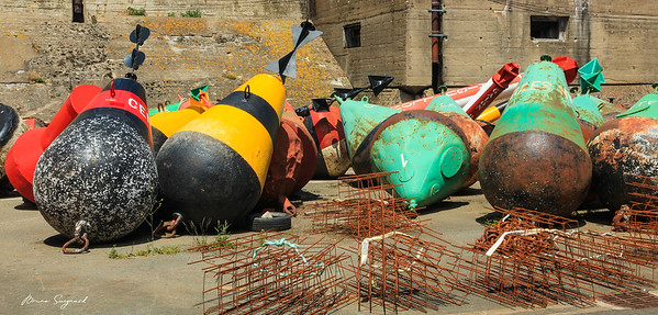Buoys - Commercial Port - La Rochelle