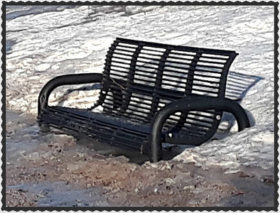 A sunday bench in ice,,,19/03/17
