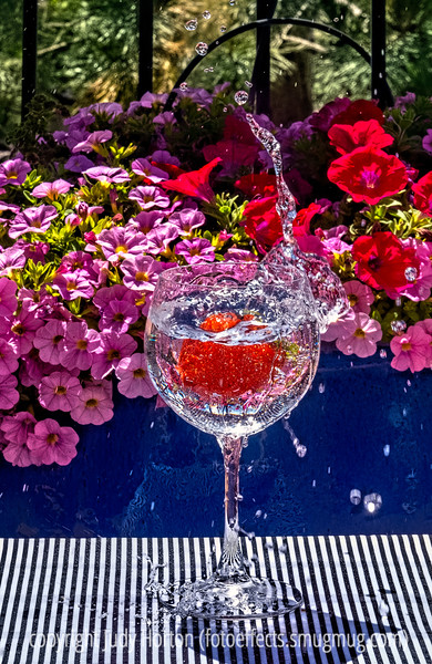 Splashing a Strawberry into a Goblet - a different splash