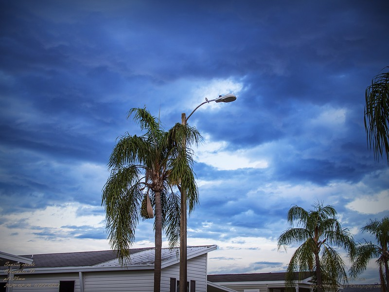 _2260001_pl5 25mm1 8 Sunrise clouds