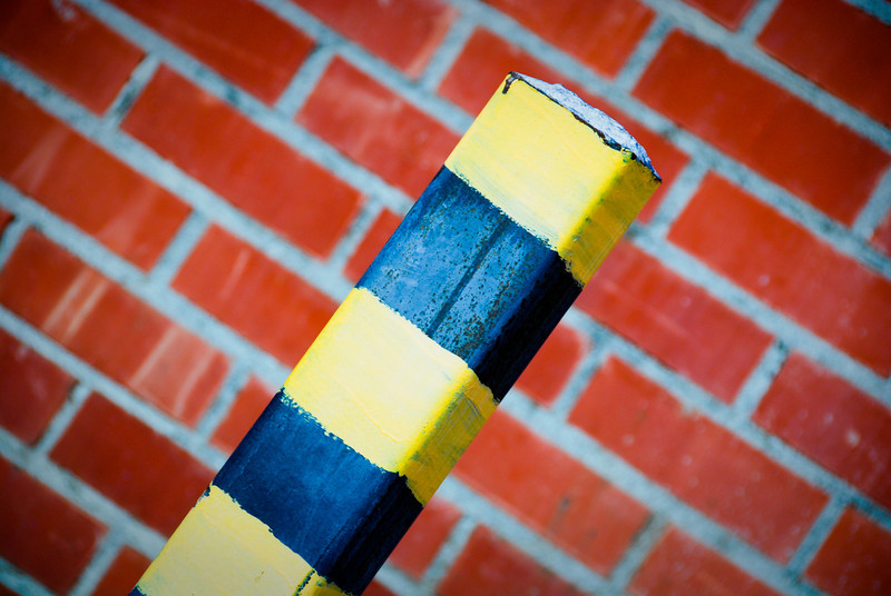 Post & Bricks