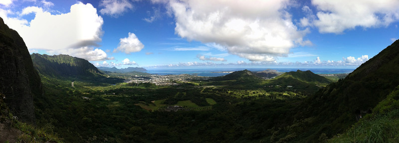 """<span id=""""date"""">_11/22/10_</span> <span id=""""title"""">Pali Lookout</span> <em>Hawaii Day 3</em> Another great tour of Oa'hu today, including this panoramic view of Kaneohe from Pali Lookout. We also visited the Byodo-In temple, went to Waikiki for lunch, and visited the Aloha tower. We also ate plenty of manapuas, malasadas and Ted's chocolate haupia cream pie. Yum.  <a href=""""http://www.jawsnap.net/Travel/Hawaii2010/14883306_hHp9Z"""">More Hawaii Photos!</a>  <a href=""""http://www.jawsnap.net/Daily/year2/7157835_BfJPF#721360353_Khekn"""">[last year]</a>"""