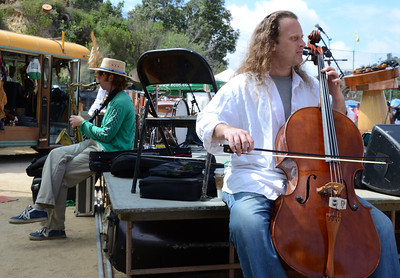Musicians get tuneup during the 12 annual Topanga Earth Day 2011 at the Topanga Community House Fair Grounds that runs over the weekend. Topanga CA. April 23,2011.  Photo by Gene Blevins/LA Daily News