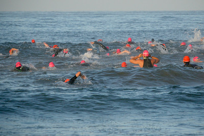 LA TRIATHLON--Racers go against the waves at the start of the 2007 Los Angeles Triathlon.    Photo by David Crane/Staff Photographer.