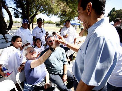 "Phylis Schimel from New York, teaches Los Angeles Mayor Antonio Villaraigosa how to sign ""I love you"" in sign language during the 4th Annual Deafest held at Woodley Park in Van Nuys, CA. September 16, 2007.  (Ernesto Elizarraraz, Special to the Daily News)"