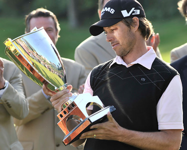 Aaron Baddeley won the Northern Trust Open at Riviera Country Club in Pacific Palisades, CA. 2-20-2011. (John McCoy/staff photographer)