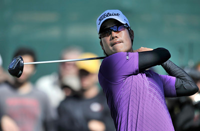 Kevin Na on the 3rd tee during the final round of the Northern Trust Open at Riviera Country Club in Pacific Palisades , CA. 2-20-2011. (John McCoy/staff photographer)