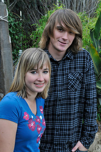 Abby and Zac Sunderland seen at the Sunderland house shortly before Abby began her around the world attempt.  Zac,17, sailed around the world solo last year, and now his younger sister Abby will undertake a similar challenge at the age of 16. Thousand Oaks, CA 12/26/2009 (John McCoy/Staff Photographer)
