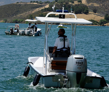 LA county SheriffÕs Department heads out on the water to  increase its presence Castaic Lake and Pyramid Lake during Operation Dry Water by conducting traffic stops and B.U.I. sobriety check points.  Castaic Lake CA. June 26,2011. Photo by Gene Blevins/LA Daily News