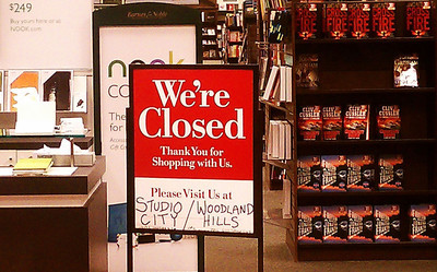 A closed sign is posted after at the Barnes & Noble bookstore next to Starbucks a popular hangout spots at Ventura and Hayvenhurst in Encino. The bookstore closes for good at 6 p.m., forced out by higher rents and is being replaced by a CVS store. Encino CA Dec 31,2010. Photo by Gene Blevins/LA DailyNews