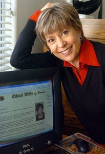 Bonnie Schuman of Ethical Wills in her office in Sherman Oaks, Ca., on Thursday, June 14, 2007.  (Tina Burch/Staff Photographer)