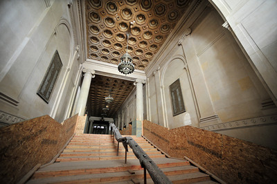 Interior photo of the entryway into the Hall of Justice. The county will begin work on a $231 million renovation to the Hall of Justice, which has been vacant since the 1994 Northridge Earthquake. The historic Beaux Arts building was built in 1925. Los Angeles, CA. 8-10-2011. (John McCoy/Staff Photographer)