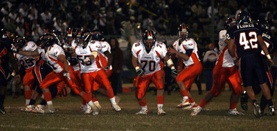 Chaminade's Ryan Griffin looks to throw the ball during the first half on Thursday, September 20, 2007 against Chatsworth High School. (Edna T. Simpson)
