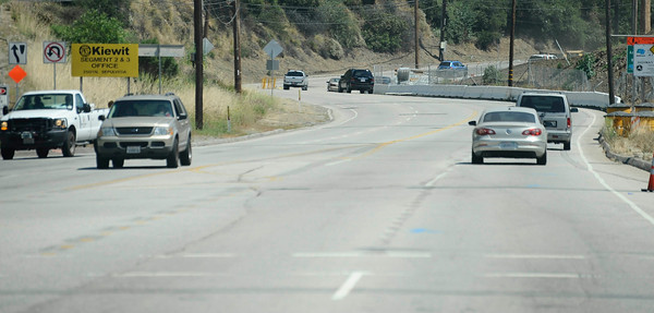 There was little to no traffic through the Sepulveda Pass as construction teams work on the demolishing the Mulholland Dr. bridge over the 405 freeway on the first day of carmageddon. Los Angeles CA  July 16,2011. Photo by Gene Blevins/LA Daily News