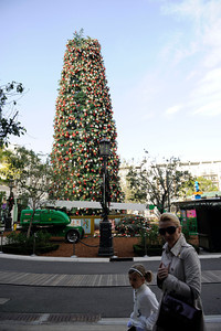 The Christmas tree at the Americana at Brand in Glendale was damaged by high winds blowing the top of the tree off. (Hans Gutknecht/Staff Photographer)