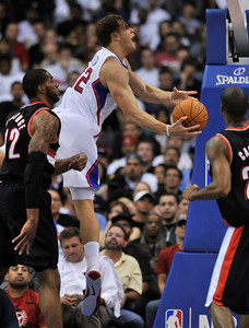 Clippers Blake Griffin drives to the hoop. The Clippers were defeated by the Portland Trail Blazers 98 to 88 in the season opener at Staples Center in Los Angeles, CA.10-27-2010. (John McCoy/staff photographer)