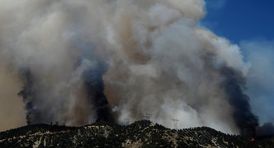 LEBEC, Calif. Ñ A 1,300-acre wildfire churning through mountains northwest of Los Angeles is threatening dozens of rural homes and evacuations are under way. The fire erupted shortly after noon Tuesday west of Interstate 5, near the small community of Lebec in Tejon Pass about 60 miles northwest of downtown Los Angeles. Temperatures are in the 100-degree range in the fire area along the southern border of Kern County. Aug 24,2010. Photo by Gene Blevins/LA DailyNews
