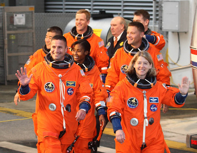 DISCOVERY-CREW-WALKOUT- PARK-FB-