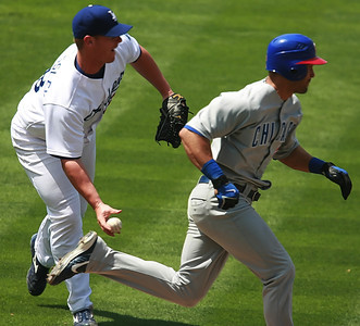Los Angeles Dodgers pitcher Chad Billingsley fields a grounder by Cubs' Angel Pagan and throws toward first base to throw him out in the sixth inning of the game played on Saturday, May 26, 2007 in Los Angeles, CA.  John Lazar / L.A. Daily News Staff Photographer