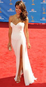 Brooke Burke arrives for the 62nd Primetime Emmy Awards on Sunday, August  29, 2010, at the Nokia Theatre in Los Angeles.(John McCoy/ staff photographer)