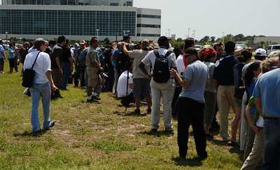 Tweeter's fans line up to see President Barack Obama arrive at the VAB. Problems with the shuttle Endeavour's hydraulic power system forced NASA managers to scrub Friday's planned launch on a space station assembly mission, disappointing thousands of spectators and spoiling a visit by President Obama and his family.  Kennedy Space Center FL. April 28,2011. Photo by Gene Blevins/LA Daily News