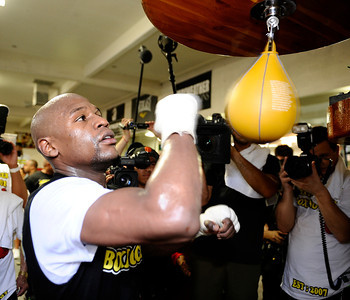 """FLOYD """"MONEY"""" MAYWEATHER works out for the media for his September 17th world champion fight with Victor Ortiz in Las Vegas NV. Sept 6,2011 photo by Gene Blevins/LA DAILYNEWS"""