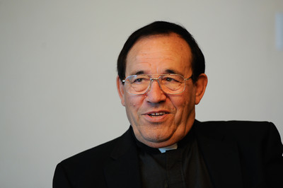 DN00-PRIEST-MB