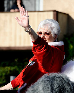 "Grand marshal Shirley Jones, star of ""The Partridge Family waves to the crowd during the annual Granada Hills christmas parade along Chatsworth blvd. Dec 4,2011. Photo by Gene Blevins/LA Daily News"