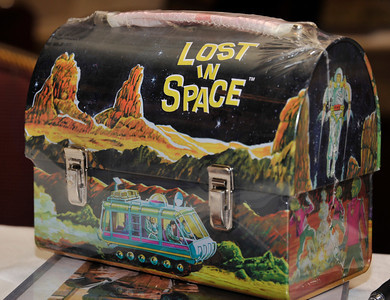 1965 TV series Lost in Space lunch box on display during the Hollywood Xpo in the Hilton hotel at Universal City. The colorful three day event features appearances by Over 100 Stars, Reunions, Screenings & More. For more info on the event go to www. hollywoodxpo.com. Oct 15,2010. Photo by Gene Blevins/LA Daily News