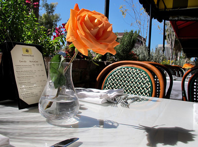 La Frite Cafe on Ventura Blvd. in Sherman Oaks Ca.  Restaurant patio.  (Dean Musgrove/Staff Photographer)