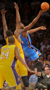 DS18-LAKERS-8AH